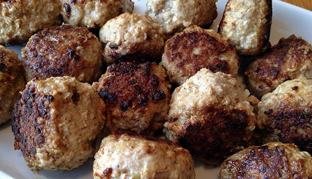 Danish Meatballs - Recipe - How to make Danish frikadeller